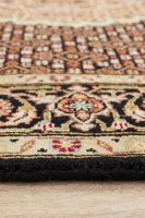 HAND KNOTTED INDIAN WOOL RUG